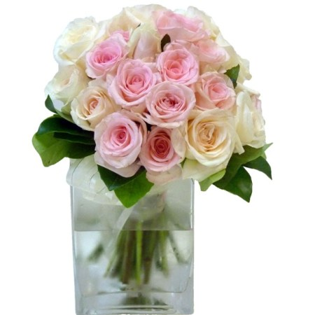 rva120 pink rose posy in vase