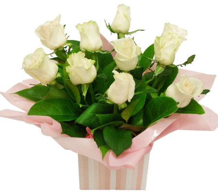 RBX139 10 White Roses Box