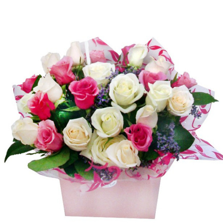 RBX233 Mixed Roses Box