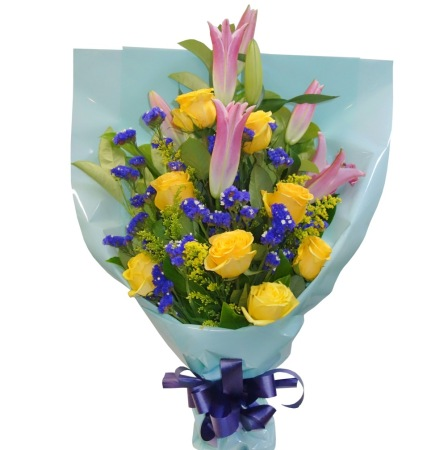 RBT217 Yellow Roses and Lily Bouquet