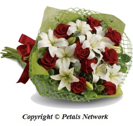 B29 Lily and Rose Bouquet