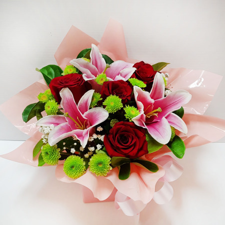 RBX341 Roses and Lilies Box