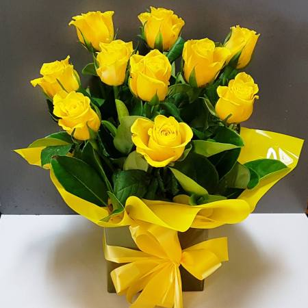 RBX330 Yellow Roses Box