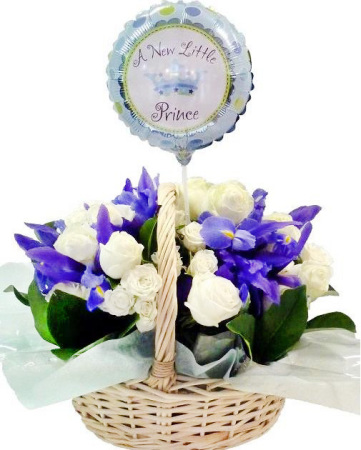 RBK164 blue and white basket with balloon