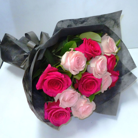 RBT223 Pink Roses Bouquet