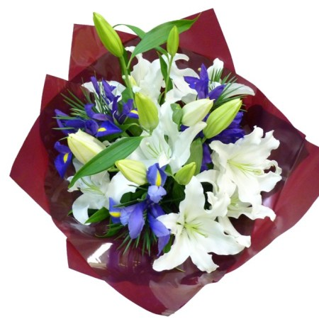RBT167 white & blue bouquet